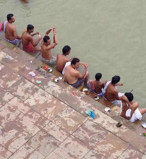 Pellegrini sul Gange