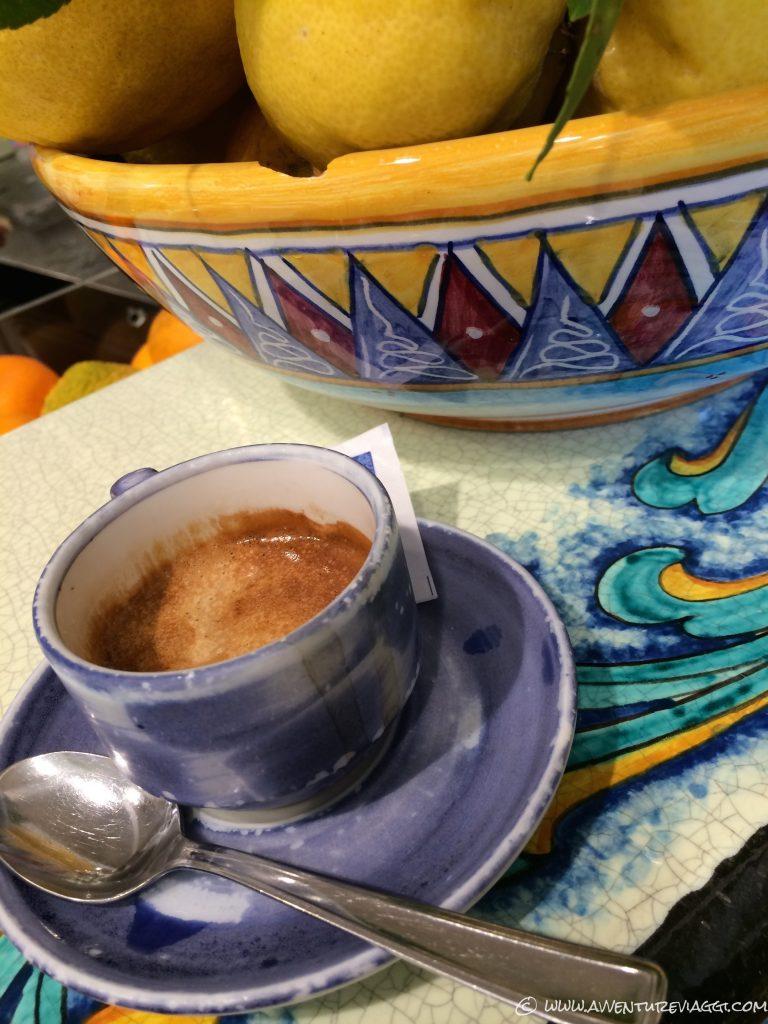 na tazzutella di caffè