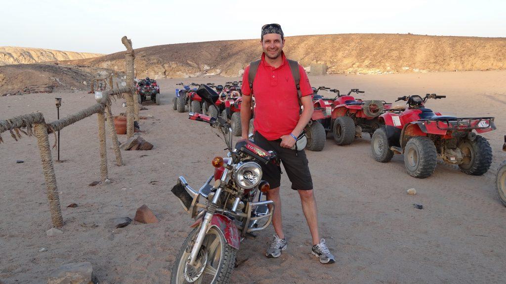 ivan A&V sul deserto egiziano
