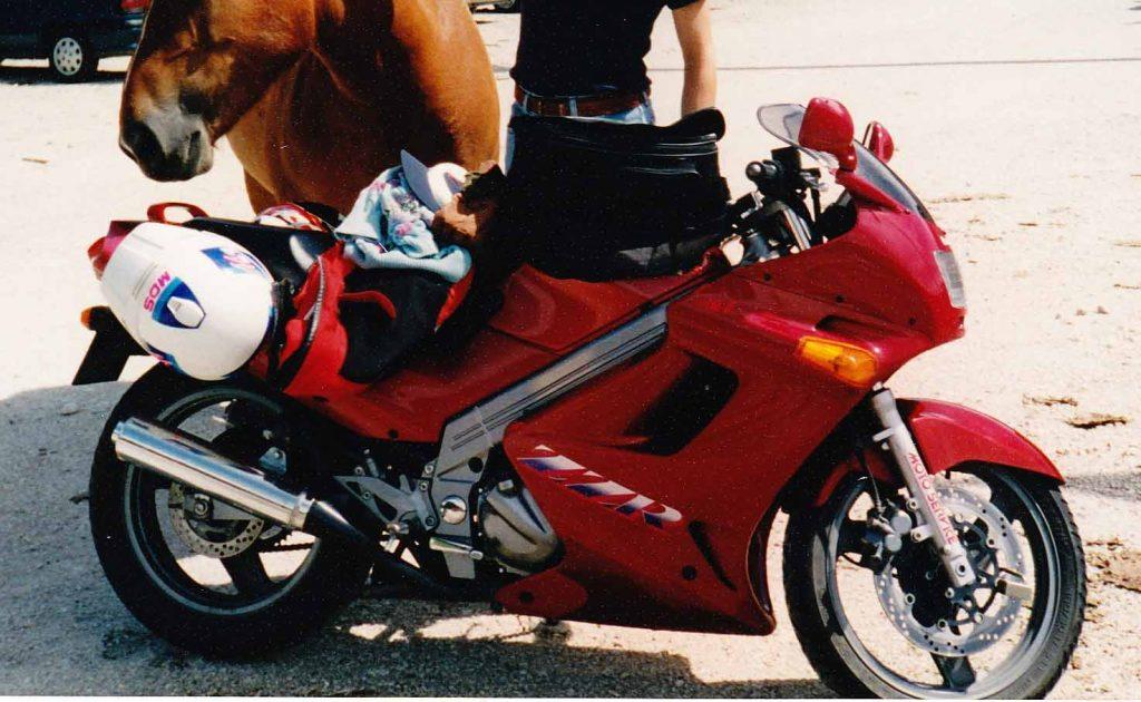 Compagne di Avventure Kawasaki ZZR 250