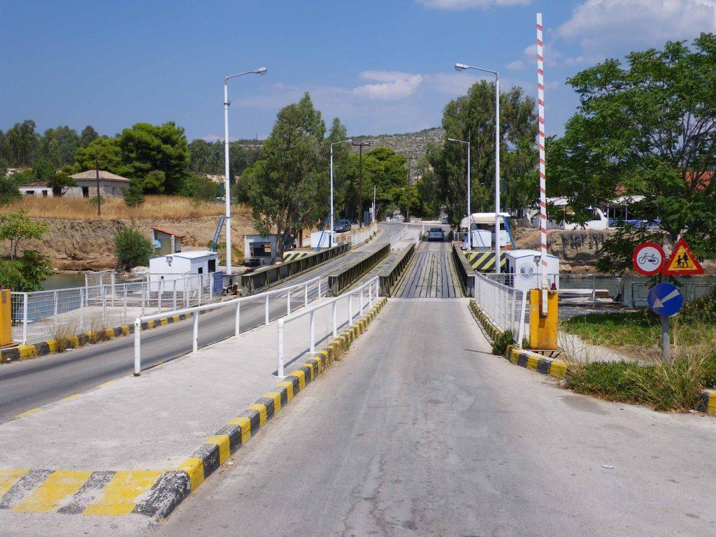 ponte sul canale di Corinto