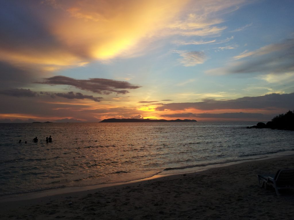 Koh Larn tramonto isola