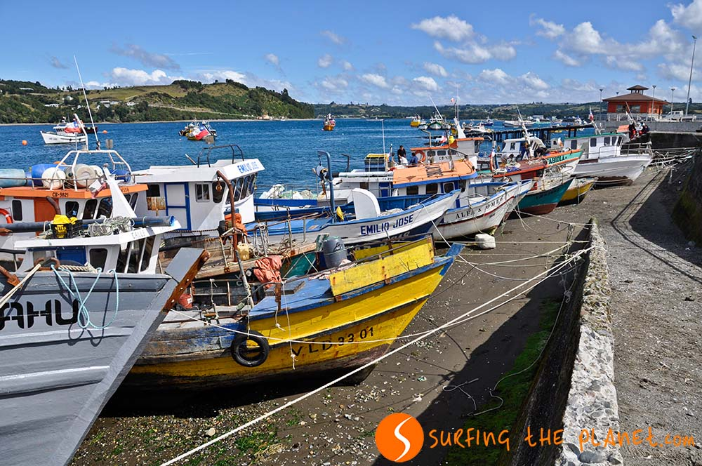 Waiting-boats-in-Chiloé-Island