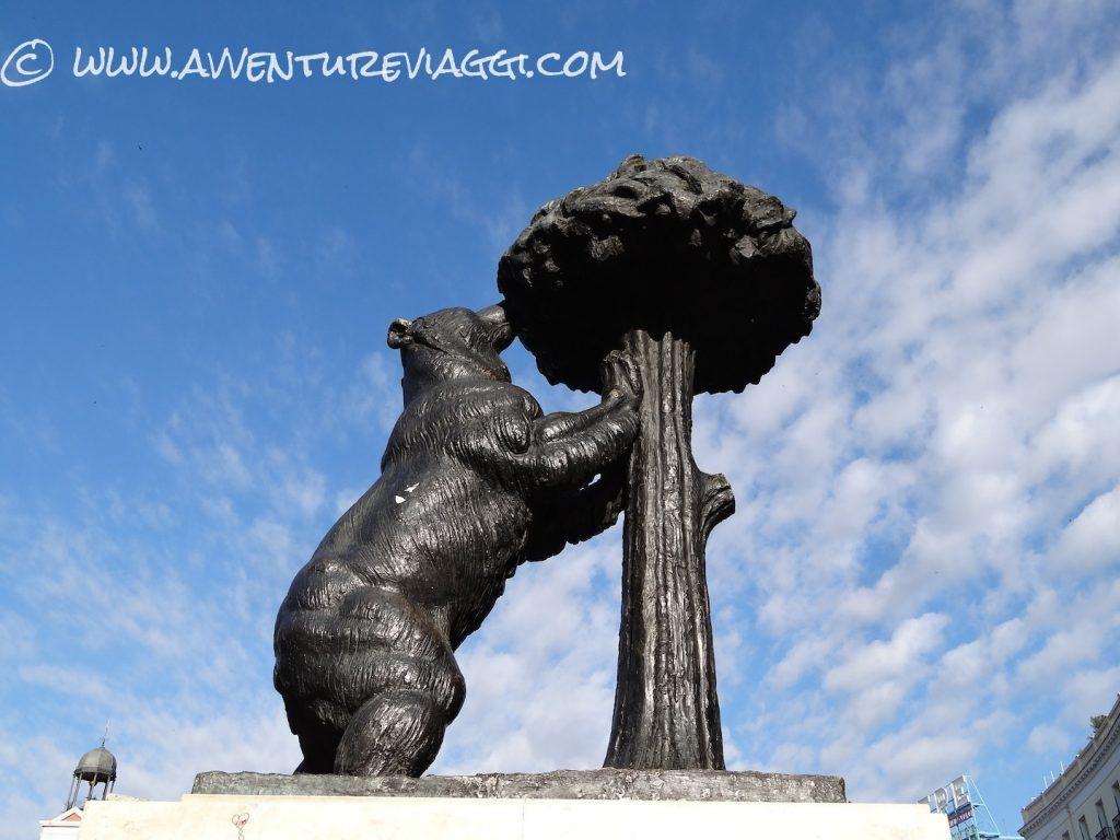 orso sul corbezzolo Madrid