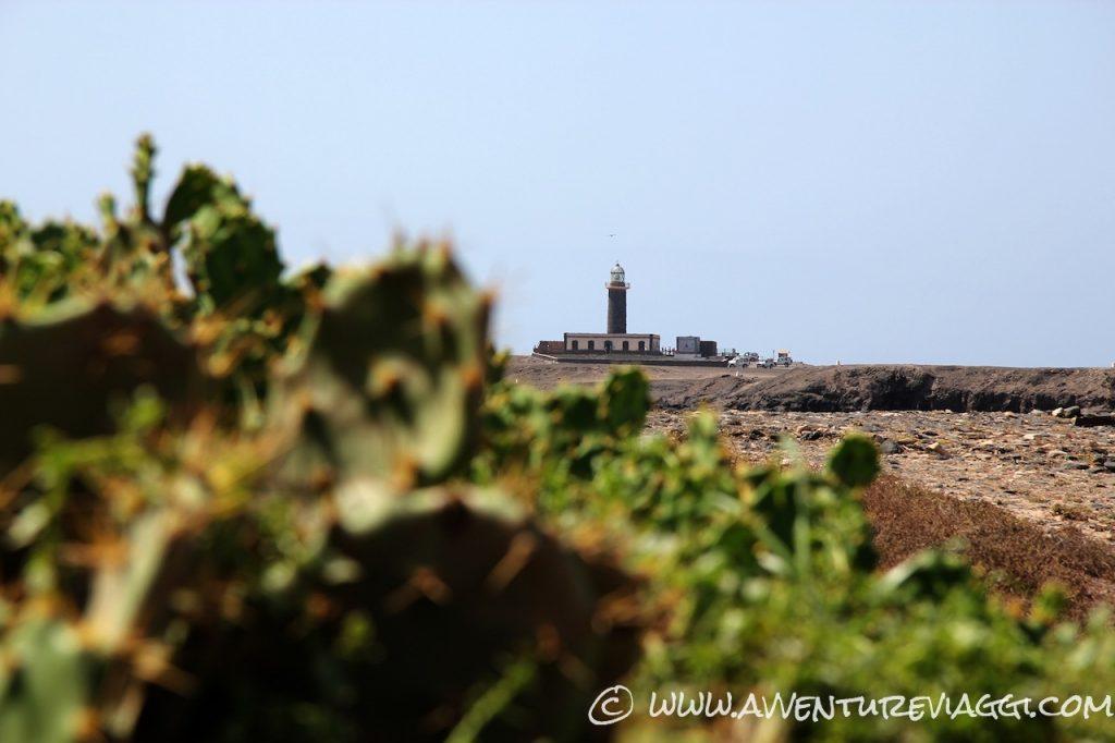Faro del Jandia faro in lontananza