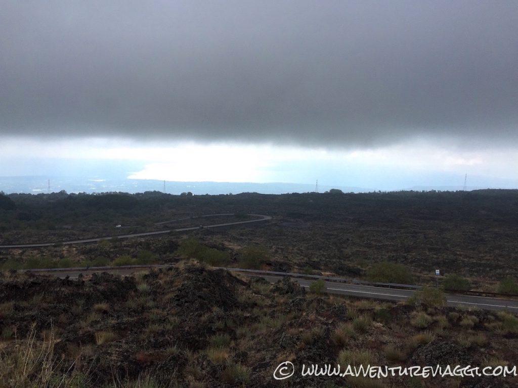 strada per escursione sull'etna